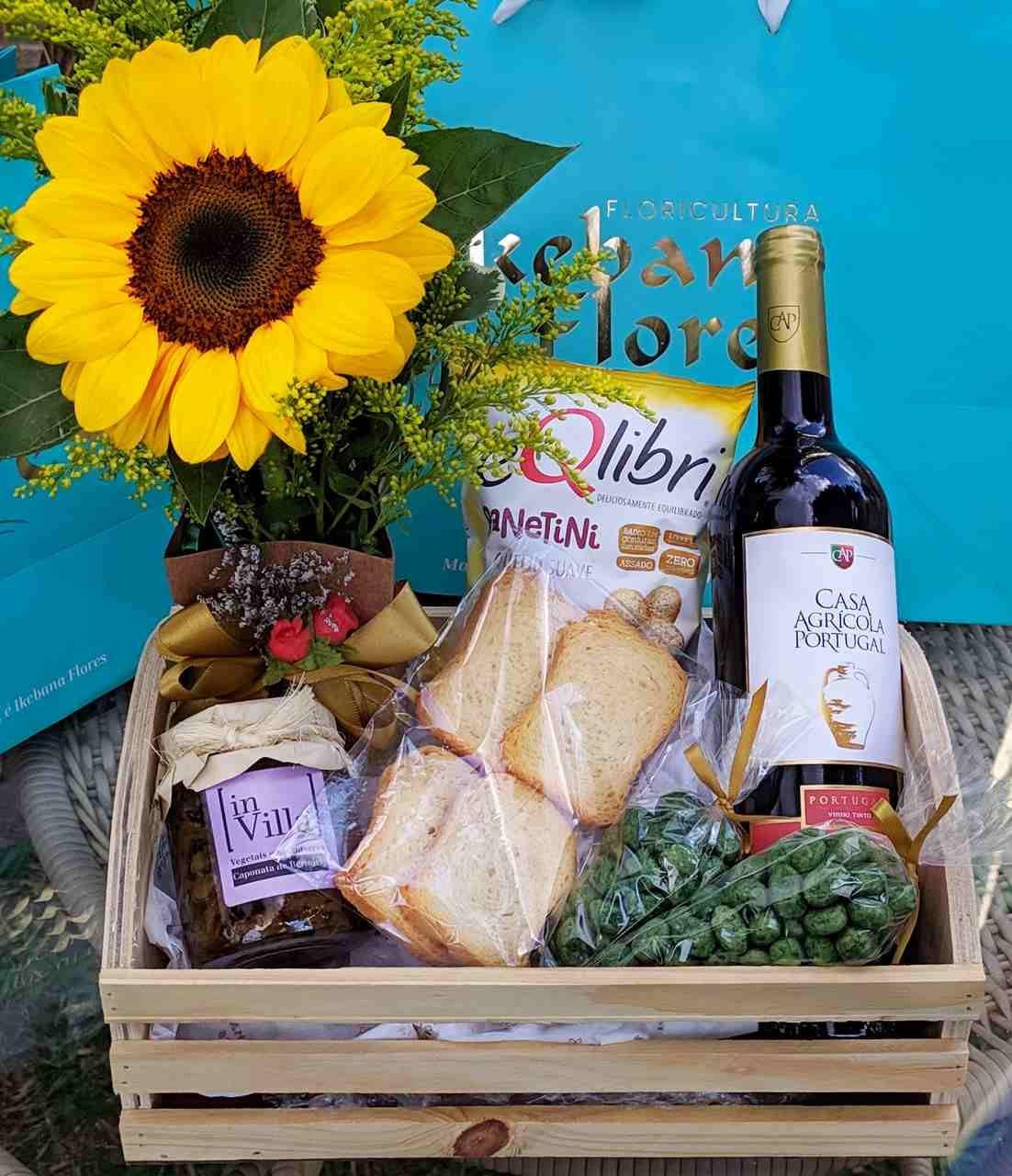 Cesta de Flores com Vinho