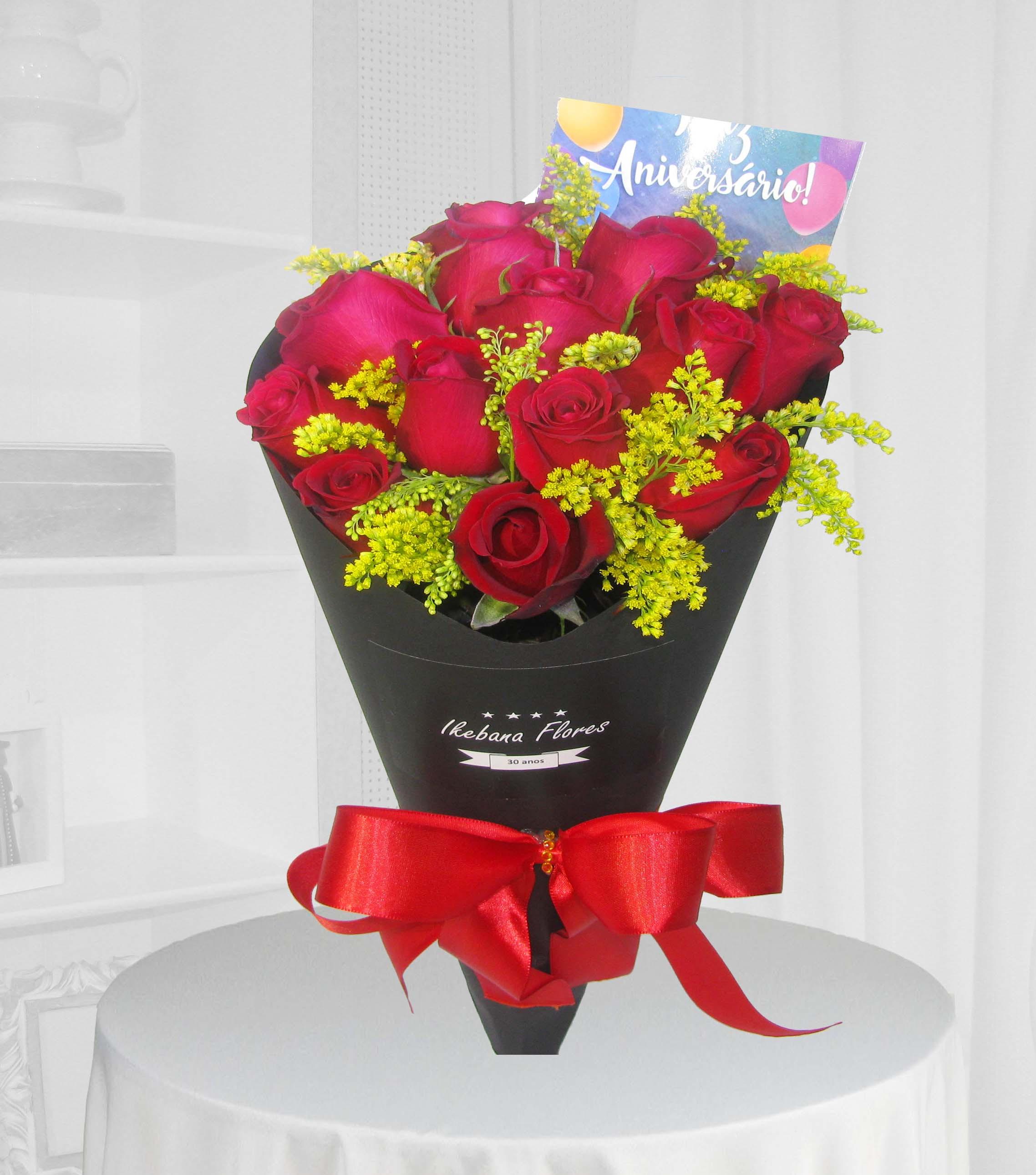 Ramalhete Cone 12 rosas