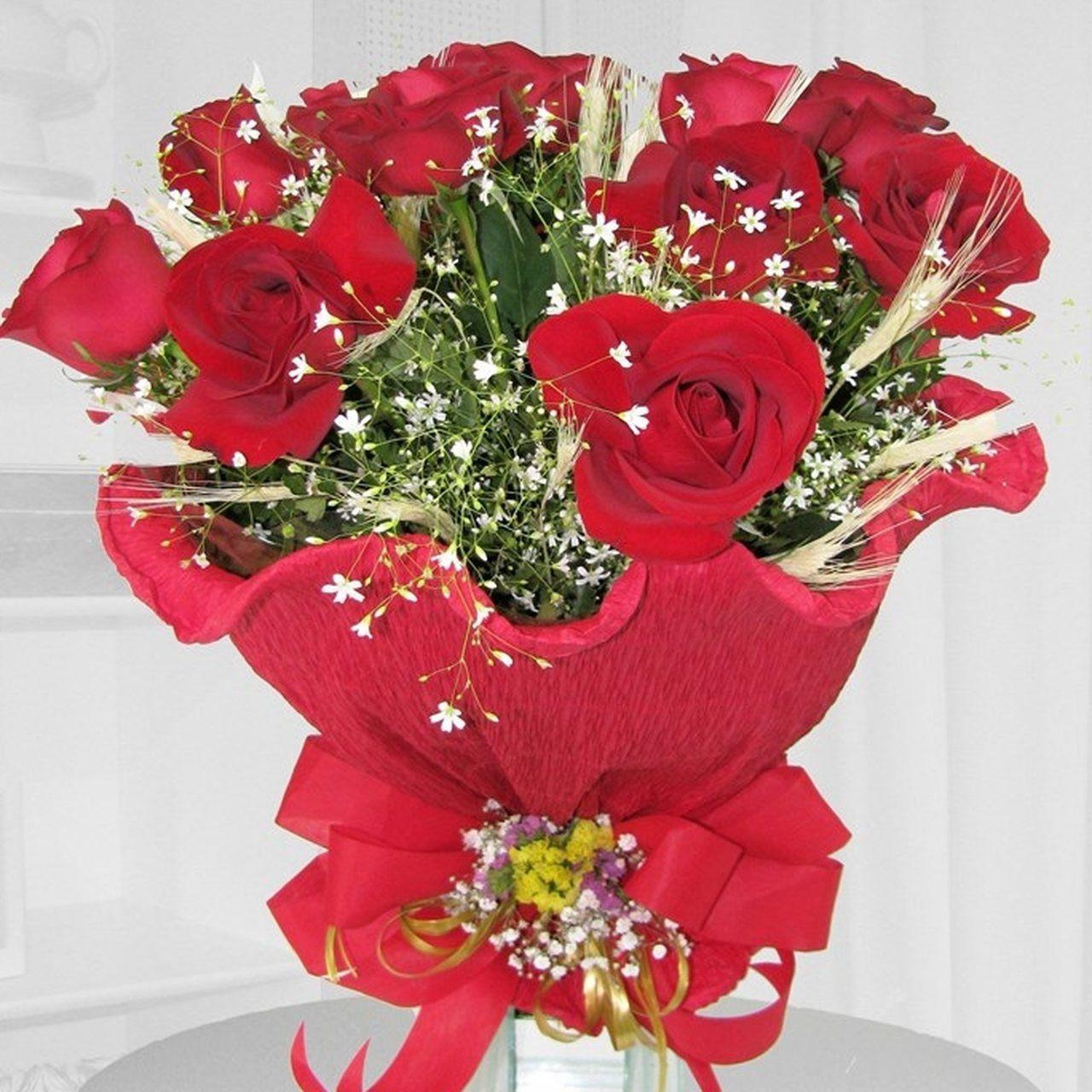 Buquê Italiano 12 Rosas Vermelhas