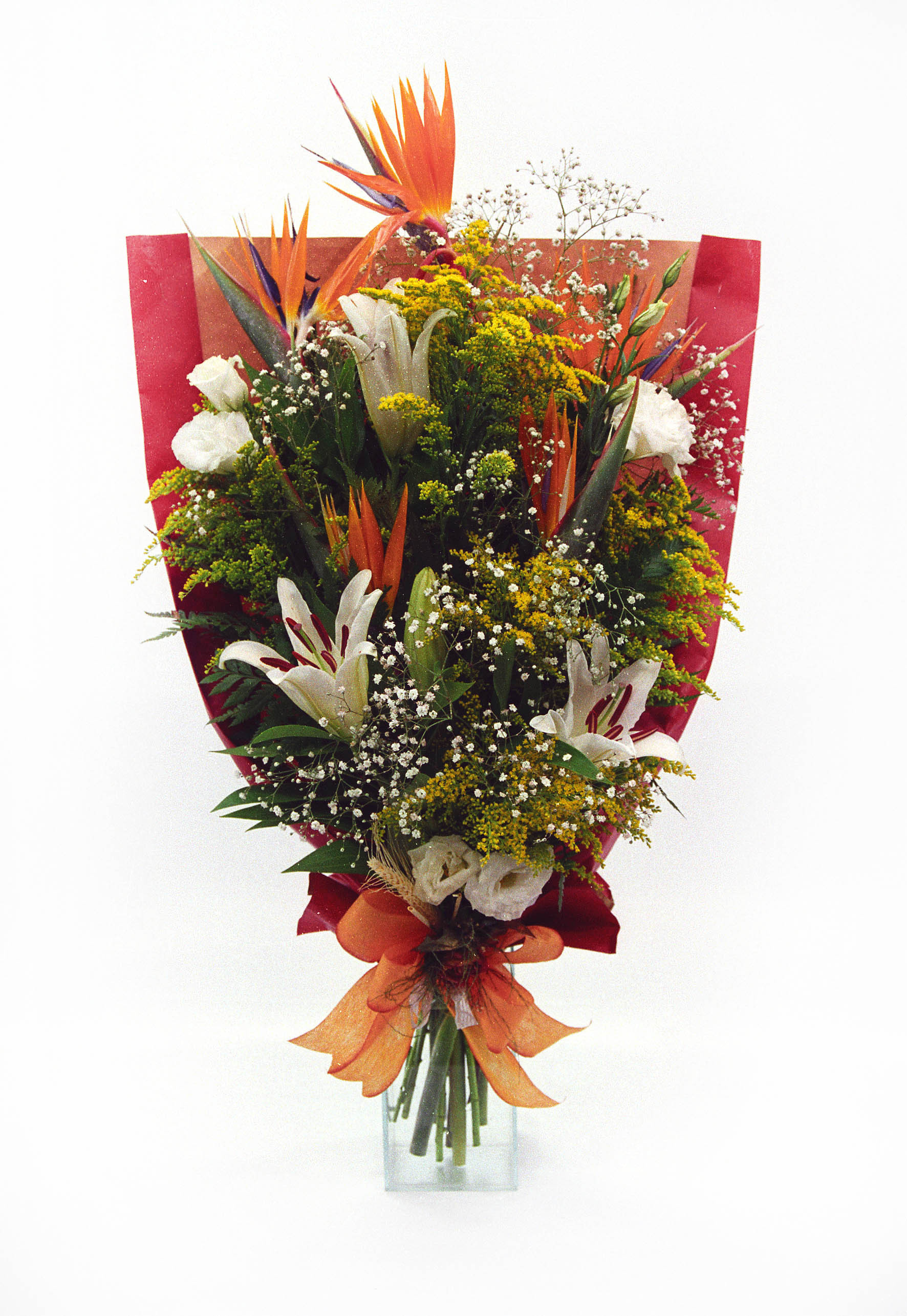 Bouquet Deitado de Lírios e Estrelitia - Visão Panorâmica