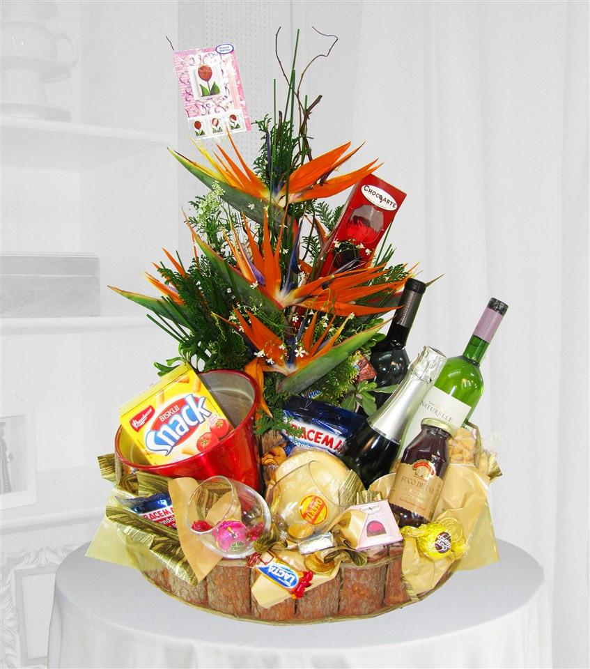 cesta queijos e vinhos