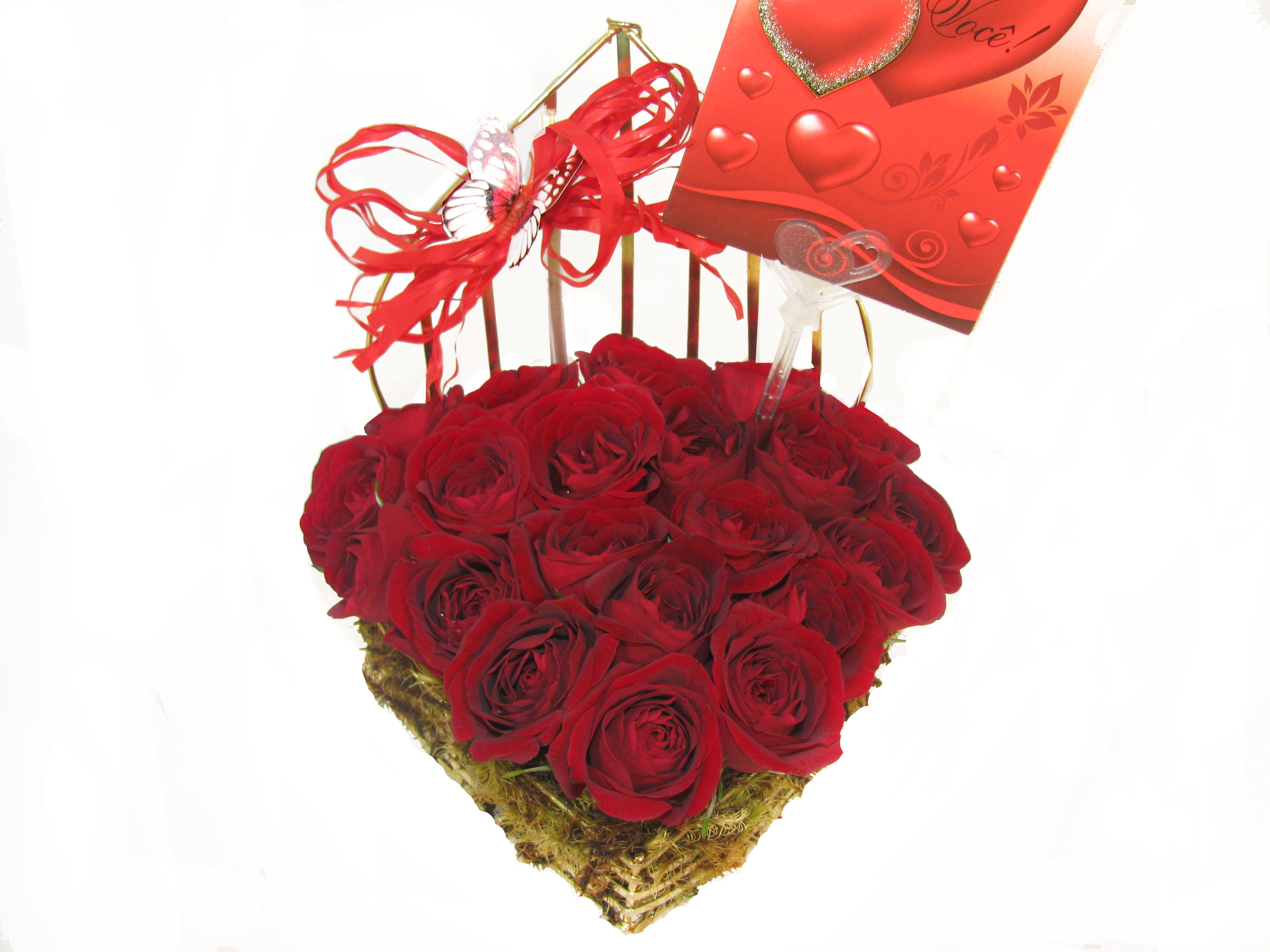 Coração cromado de rosas