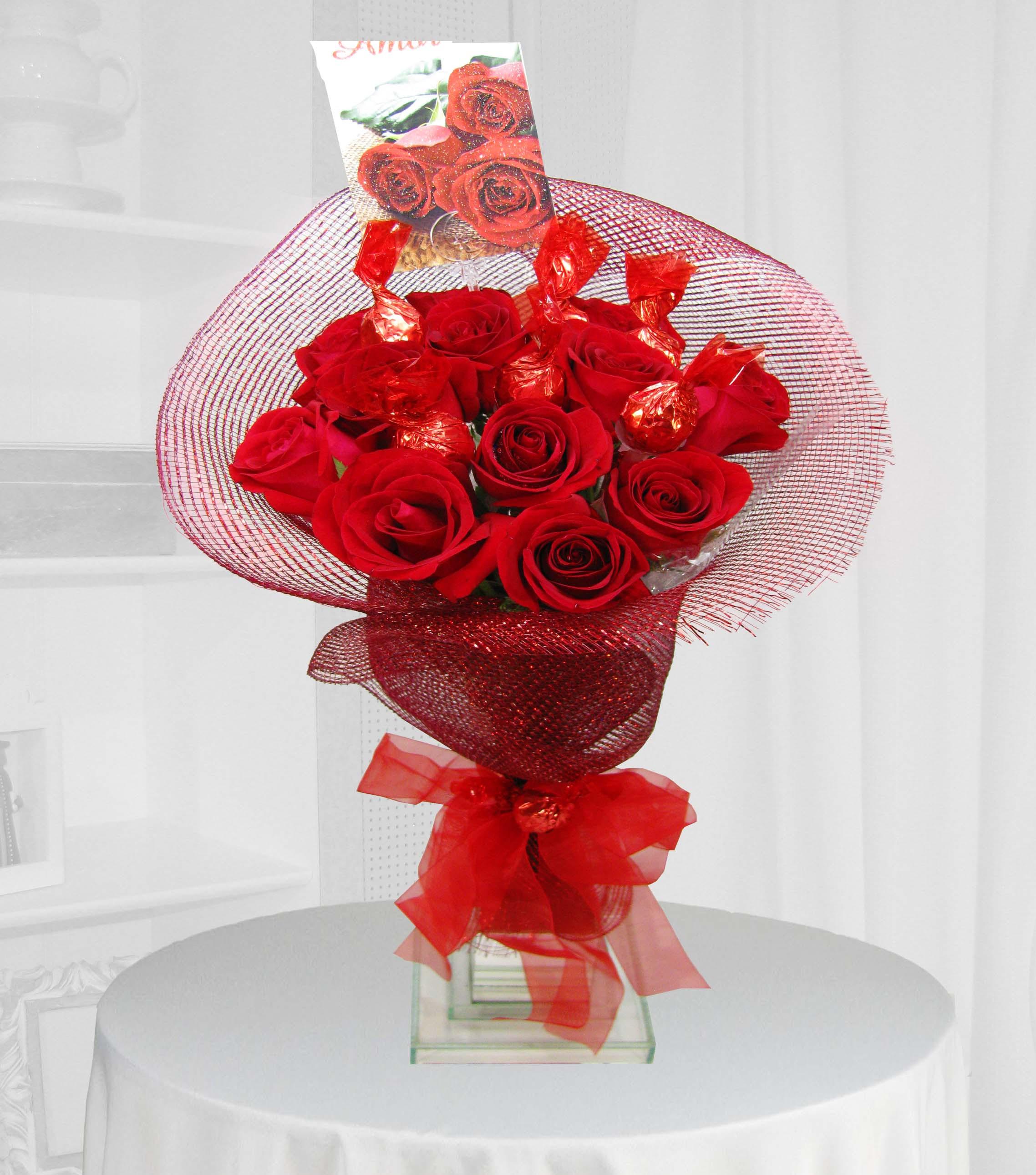 ramalhete de rosas com bombons
