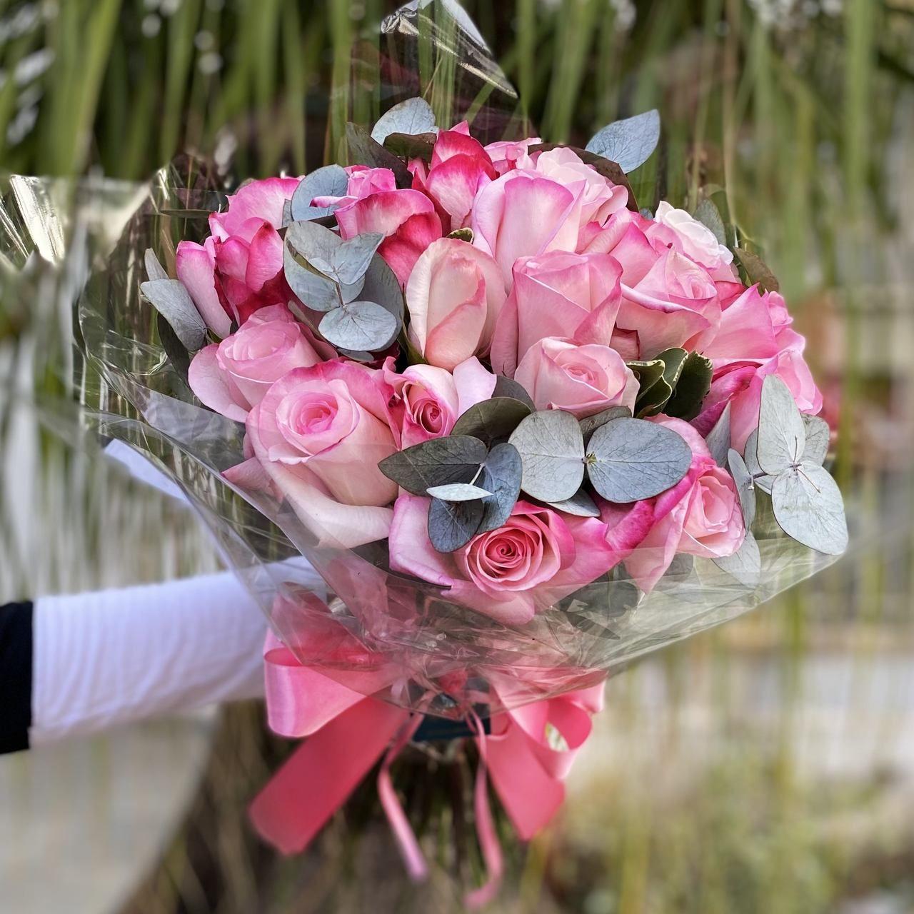 Buquê de 20 rosas cor de rosa