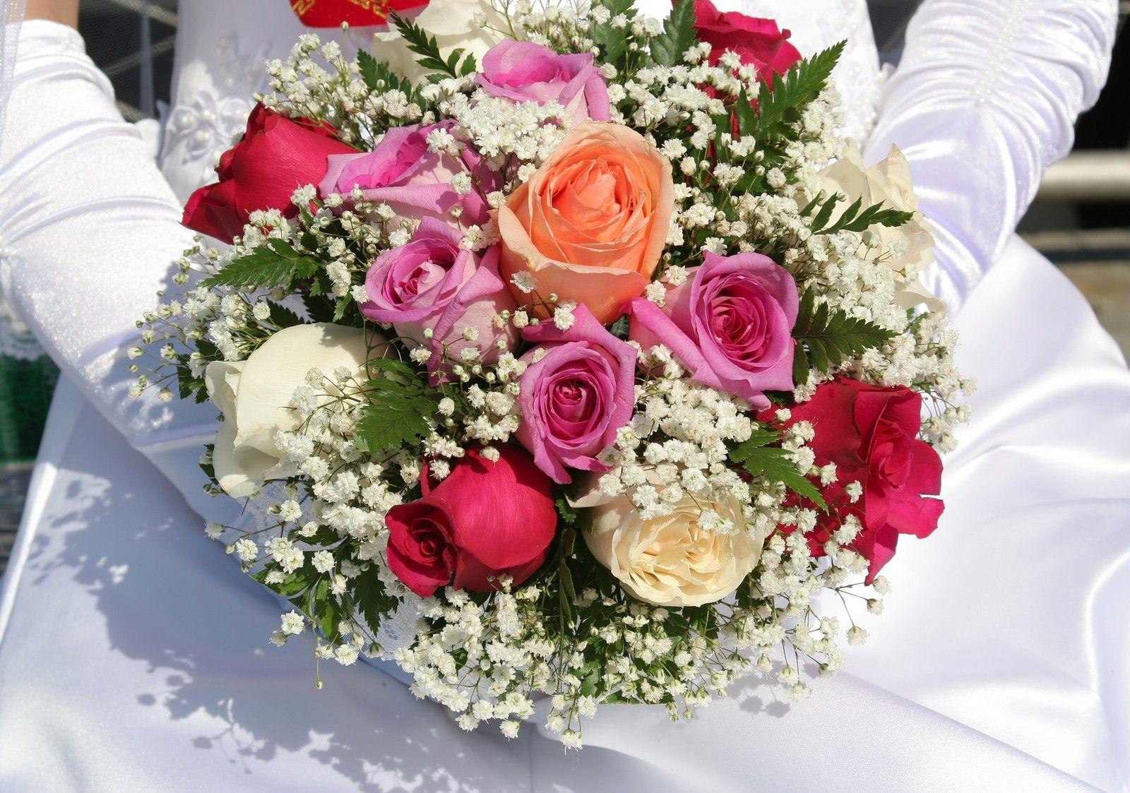 Buquê de noiva mix de rosas