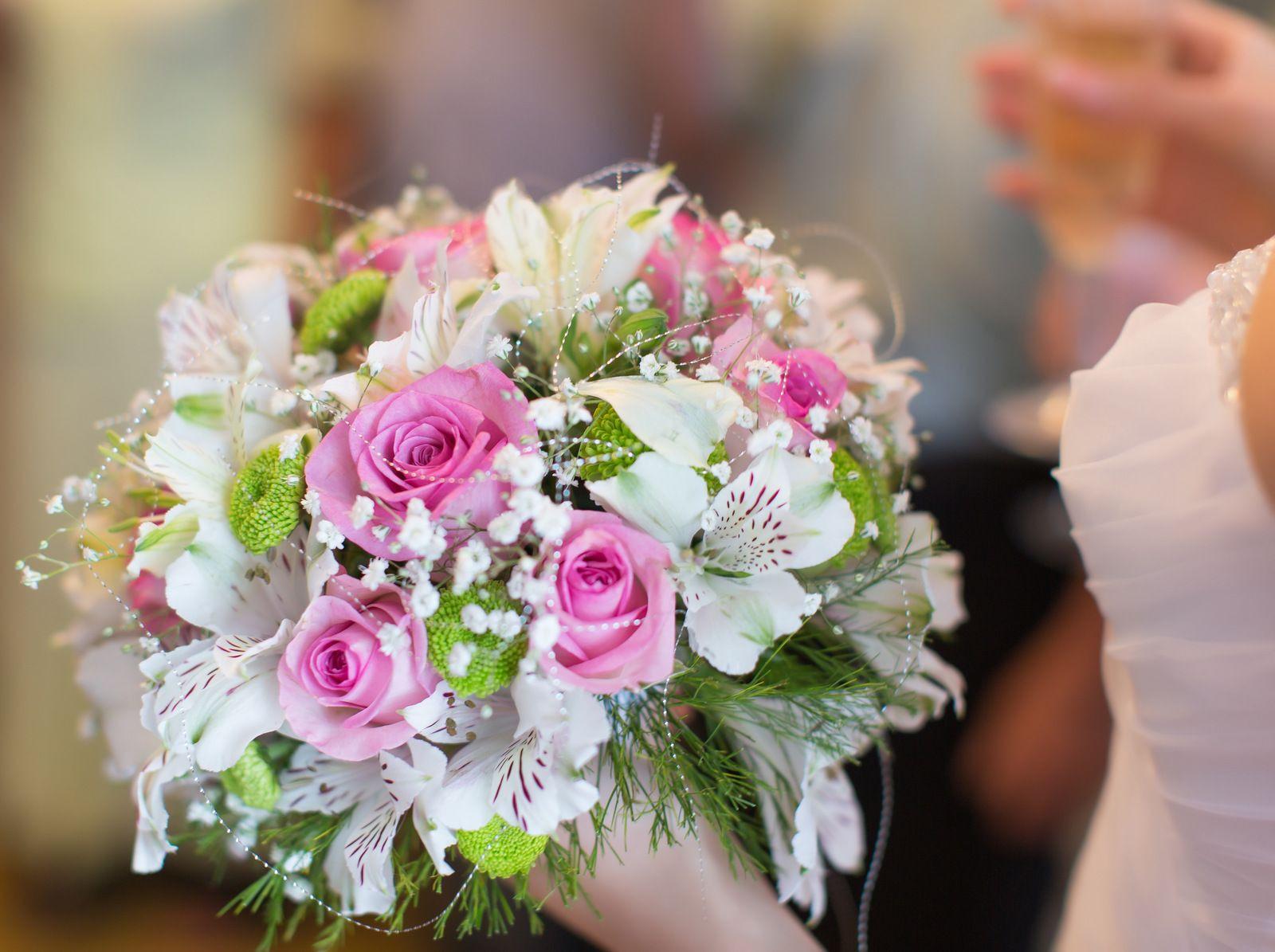 Buquê noiva Astromélias brancas