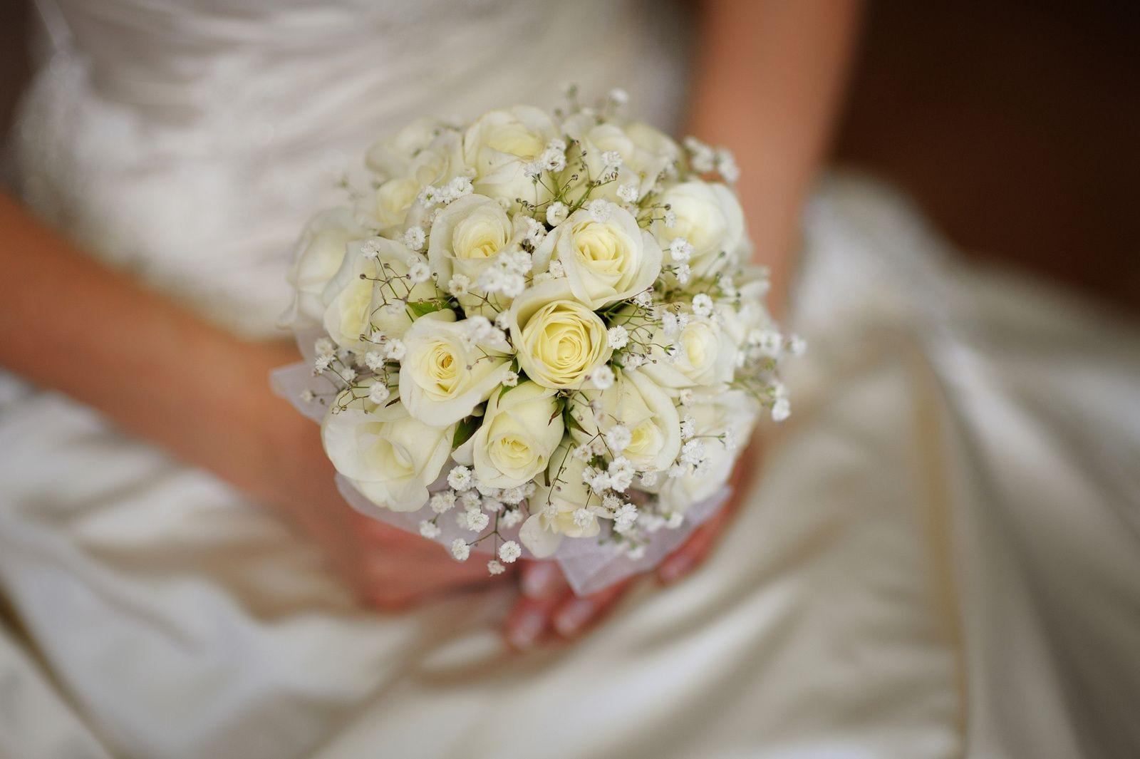 Buquê noivas rosas brancas